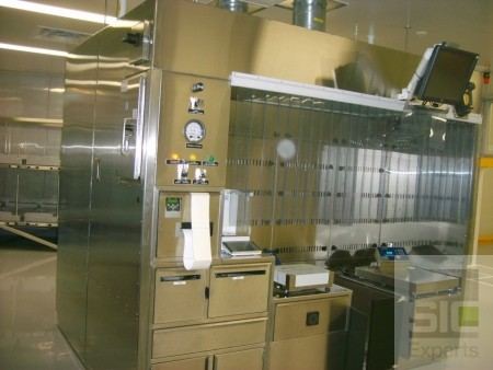 Ventilated weighing and mixing booth