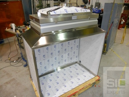 Exhaust hood with reverse HEPA filter