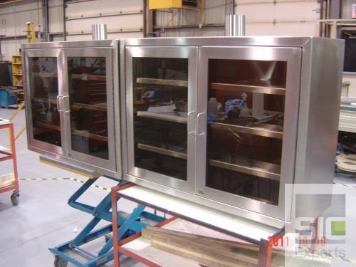 Ventilated pharmaceutical cabinet