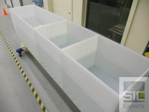 Plastic dipping tank