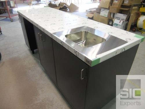 Stainless steel laboratory countertop