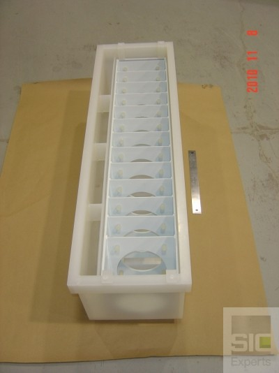 Semiconductor dipping tank