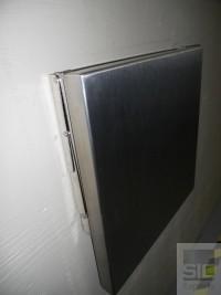 Folding seat wall mounted