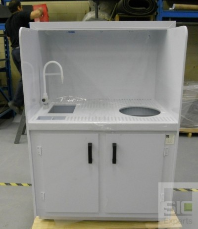 Custom laboratory furniture SIC25876