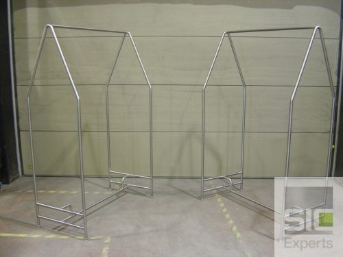 Clean room garment rack